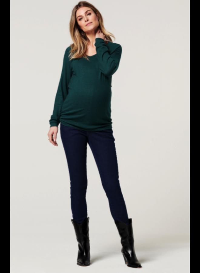Sweater nurs is Alnwick