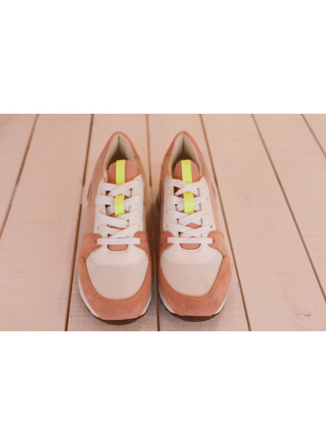 Sneakers pink fever