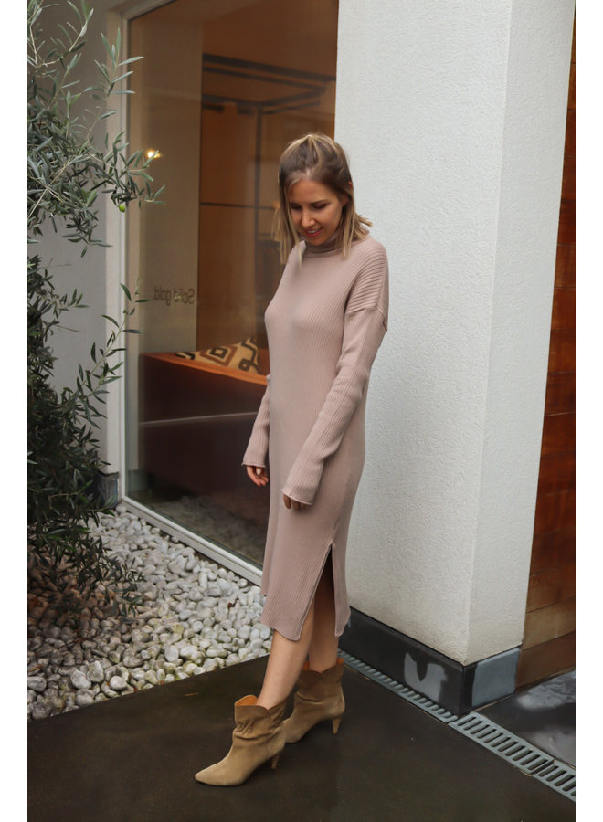Knitted dress babbet taupe