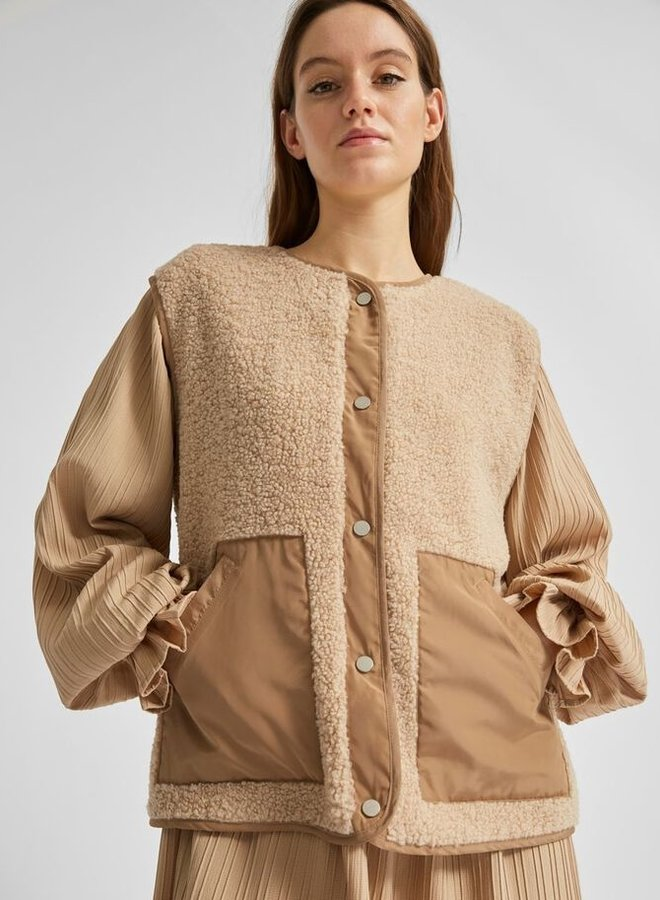 Casie teddy vest