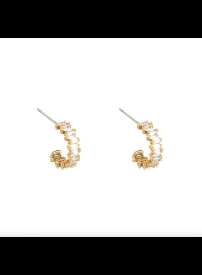 Earrings in style