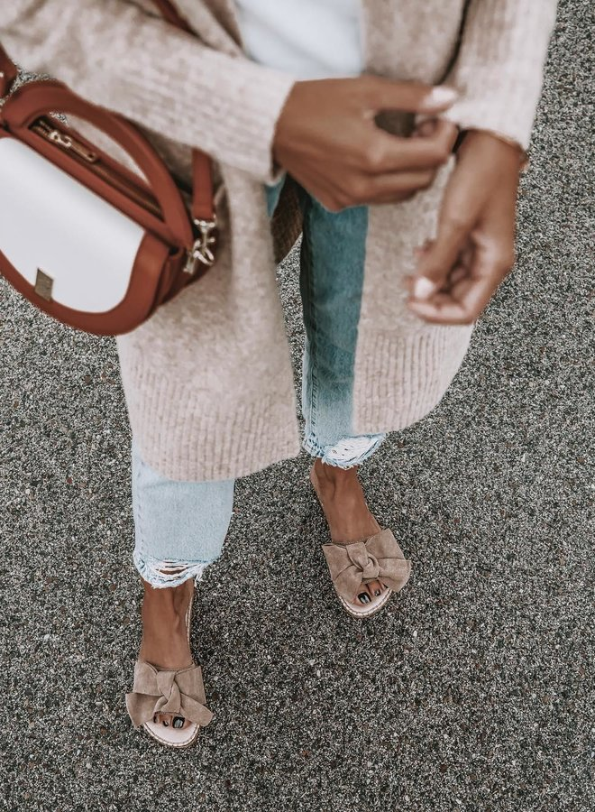 Sandals with bow taupe