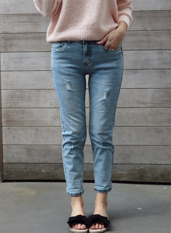 Mom jeans fitted light blue distressed