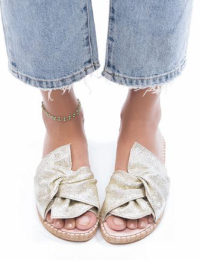 Sandals with knot platinum