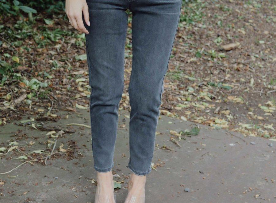 PREORDER Mom jeans dark grey