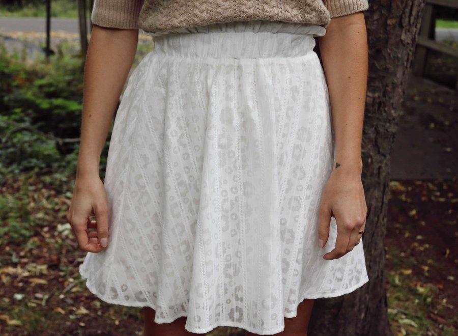 Yaslini hw skirt eggnog