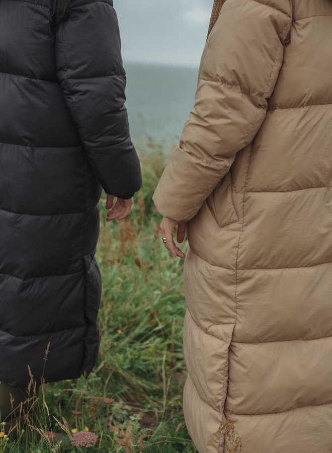 Kelvin padded maxi coat black