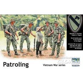 Master Box MB - Patroling, Vietnam - 1:35
