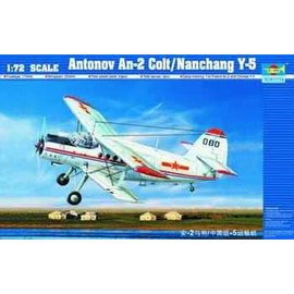Trumpeter Trumpeter - Antonow An-2 Colt / Nanchang Y-5  1:72