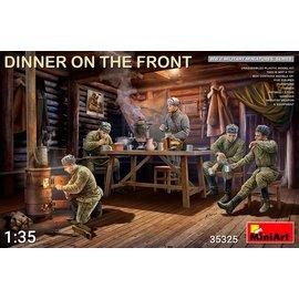 MiniArt MiniArt - Dinner on the Front  - 1:35