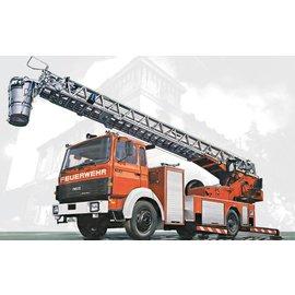 Italeri Italeri - Iveco-Magirus DLK 23-12 Fire Ladder - 1:24