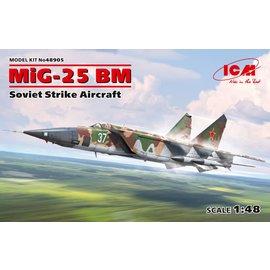ICM ICM - MiG-25BM Strike Aircraft - 1:48
