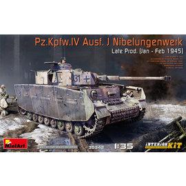 MiniArt MiniArt - Pz.Kpfw.IV Ausf. J Nibelungenwerk Late Prod. (Jan – Feb 1945) - 1:35