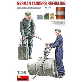MiniArt MiniArt - Panzersoldaten beim Tanken - German Tankers Refueling - 1:35