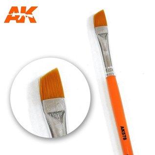 AK Interactive Diagonal weathering brush - Weathering Pinsel diagonal
