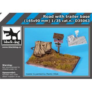 black dog Road with trailer base - Straßenabschnitt mit Anhänger - 1:35