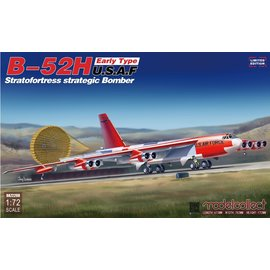 Modelcollect Modelcollect - Boeing B-52H Stratofortress, early type - 1:72