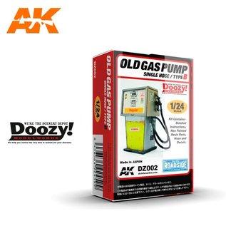 AK Interactive Old Gas Pump Single Hose / Type B - 1:24