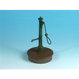 EUREKA XXL Eureka - Water Pump (old manual style) - 1:35