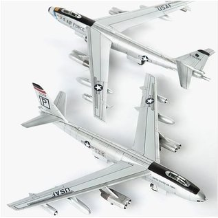 """Academy Boeing B-47 """"306th Bomber Wing (M)"""" - 1:144"""