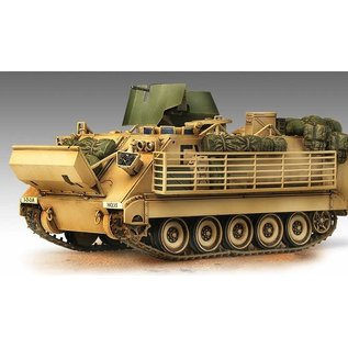 """Academy M113A3 """"Iraq 2003"""" - 1:35"""