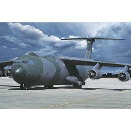 Roden Roden - Lockheed C-141B Starlifter - 1:144