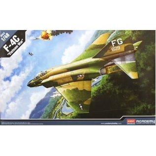 """Academy McDonnell Douglas F-4C """"Vietnam War"""" - 1:48"""