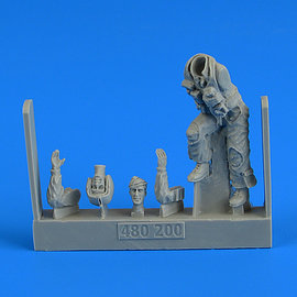 AIRES AIRES - USAF Fighter Pilot on the ladder - 1:48