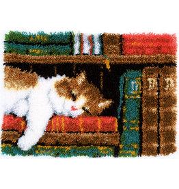 Vervaco Vervaco Knooptapijt Slapende kat in boekenrek