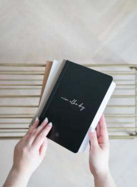 ZUSSS ZUSSS - Schriftje vier elke dag zwart