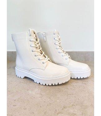 Pure Sense WHITE LACQUER BOOTS