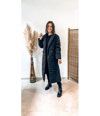 Pure Sense NA-KD OVERSIZED QUILTED COAT BLACK