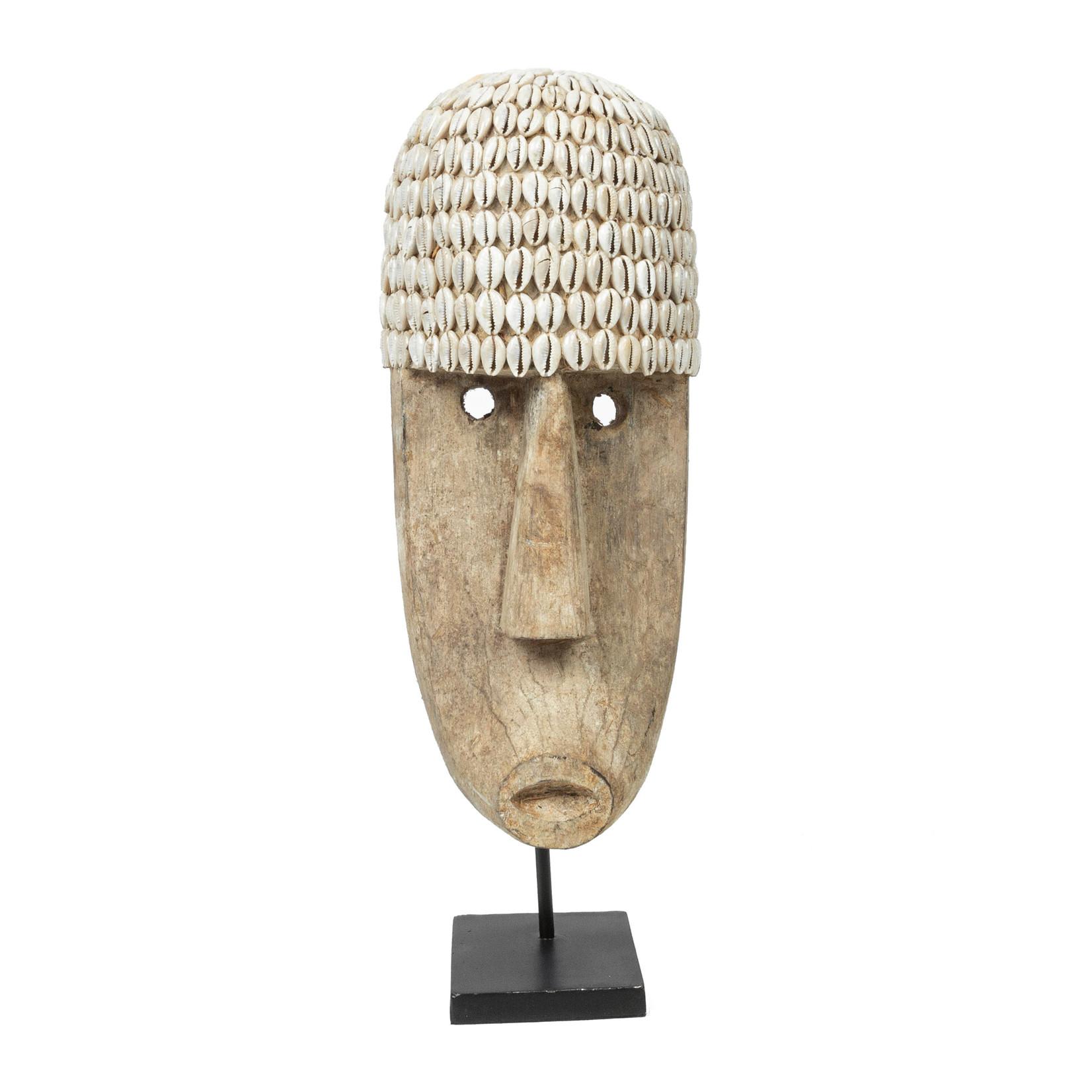 Bazar Bizar Het Cowrie Masker on Stand - Large