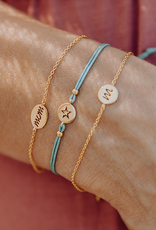 Design your bracelet with 1 charm