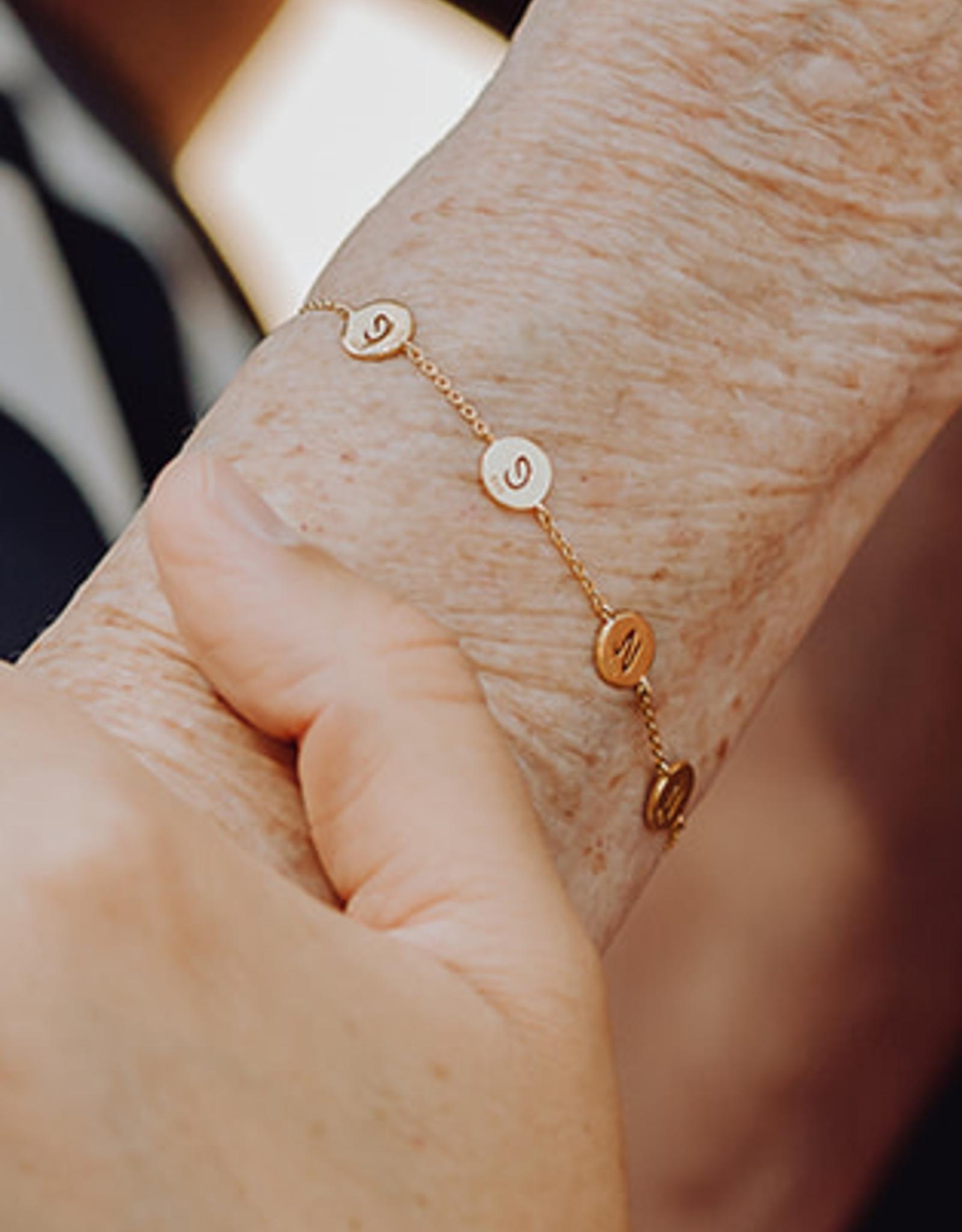 Ontwerp je armband met 5 bedels