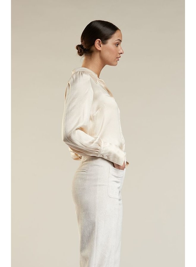 Her blouse Laurel