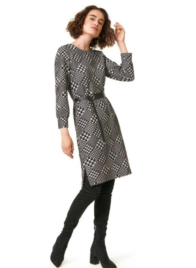 Caroline Biss - aansluitende comfortabele jersey jurk