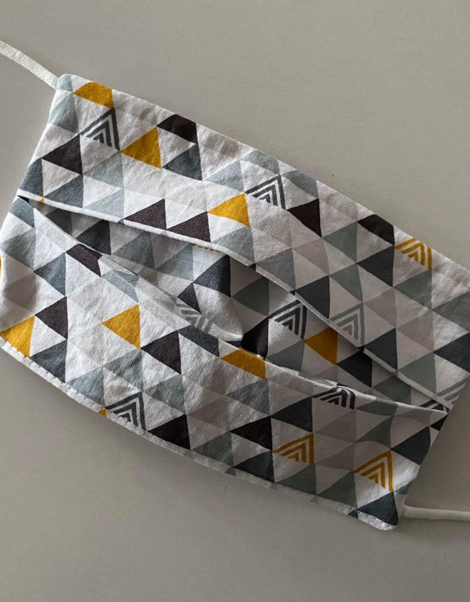Mondmasker - Triangles Grey/Ochre - Enveloppe