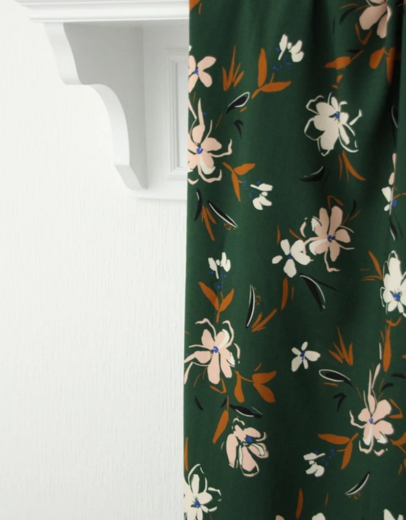 Atelier Jupe Atelier jupe - Bosgroene viscose met zachtroze bloemen