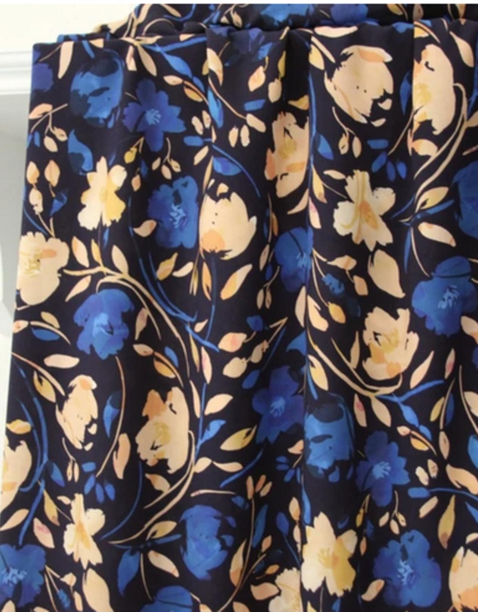 Atelier Jupe Atelier jupe - Donkerblauwe viscose met blauwe en zalmroze bloemenprint