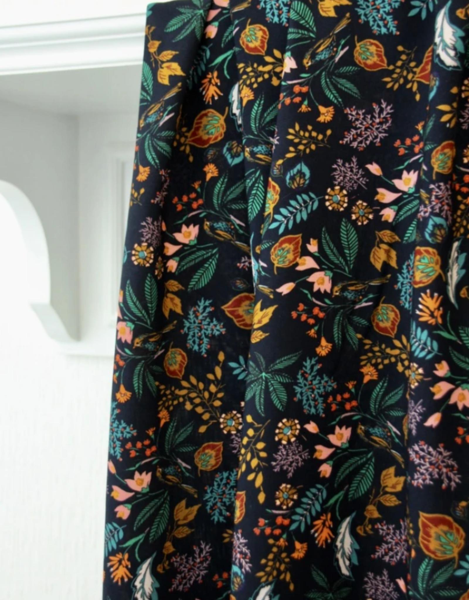 Atelier Jupe Atelier jupe - Donkerblauwe viscose met kleurrijke print