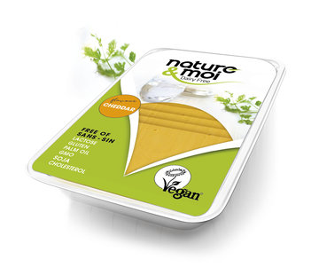 Nature & Moi Cheese slices - Cheddar flavour (11 x 200g)
