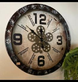 Atelier De Brocante Opkamer B.V. Stoere klok met draaiend uurwerk