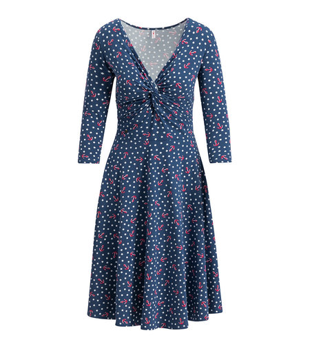 Blutsgeschwister cold days hot knot robe 1