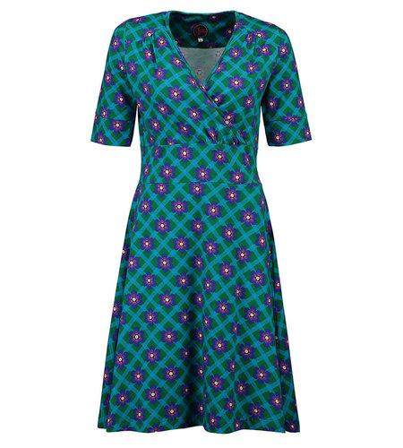 Tante Betsy Dress Swirley Chekkie Daisy Green
