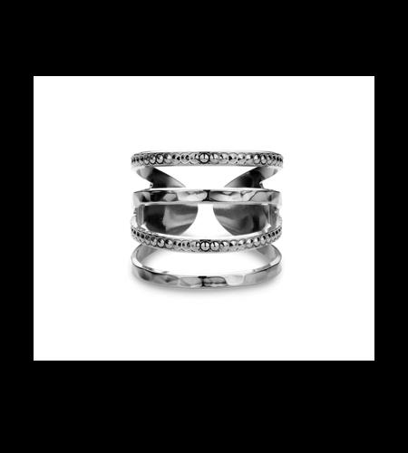 Mya Bay Ring New York Hammered
