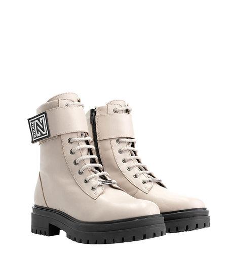 NIKKIE Philein Boots Dust