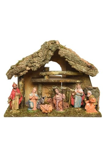 Decoris Kerststal met 8 figuren +-12cm  27x17x26cm