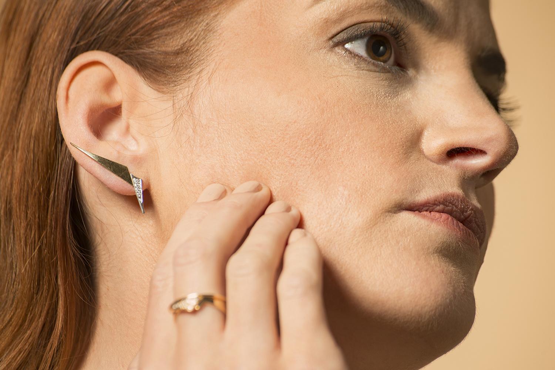 Geelgouden oorstekers met diamanten - Trio-6