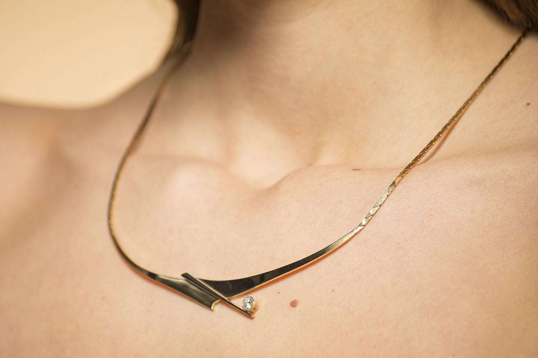 Geelgouden ketting met diamant - Crossbow-2